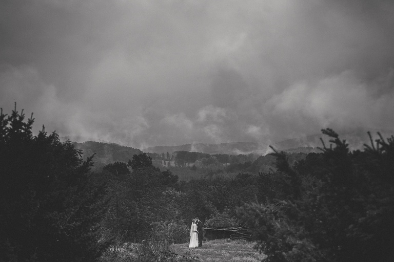 Sesja plenerowa w dniu ślubu - wady i zalety